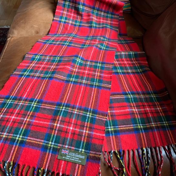 For Womens Royal Stewart 100/% CASHMERE Scarf Beige Check Plaid Tartan SCOTLAND